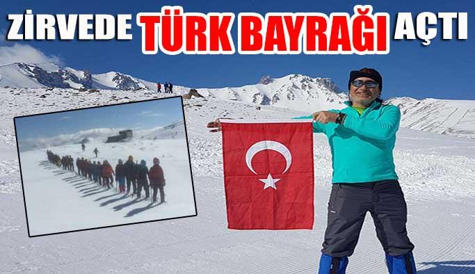 Gerzeli Sporcu Zirvede Türk Bayrağı Açtı