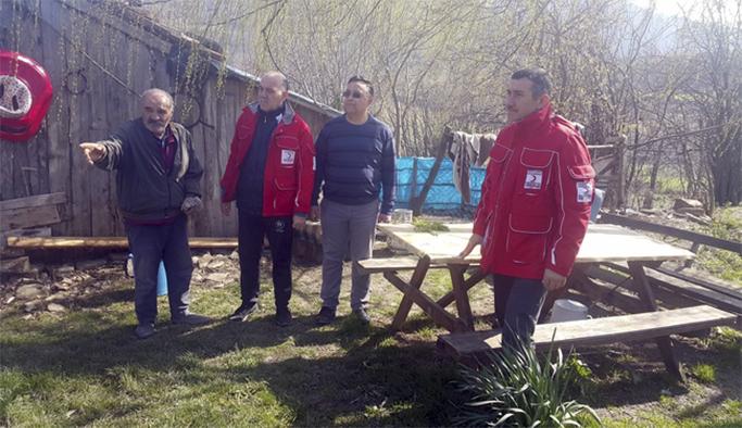 Kızılay'dan yangınzede aileye yardım eli