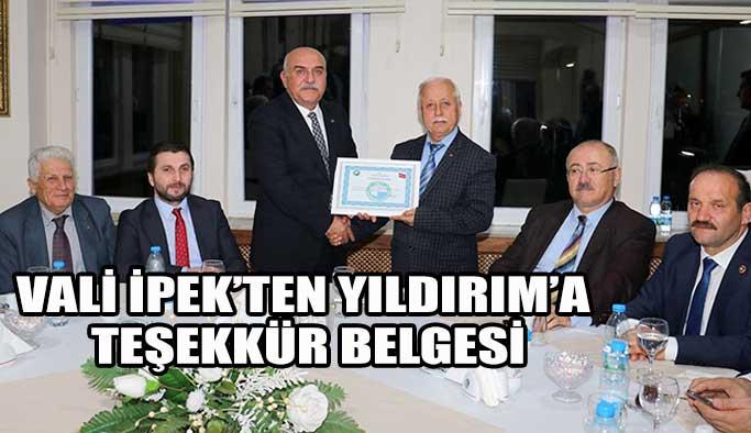 Vali İpek'ten Encümen Üyelerine Teşekkür Belgesi