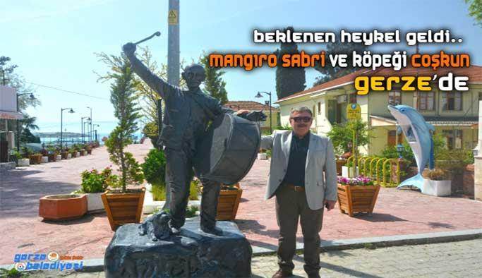 Mangıro Sabri'nin heykeli İskele'de...