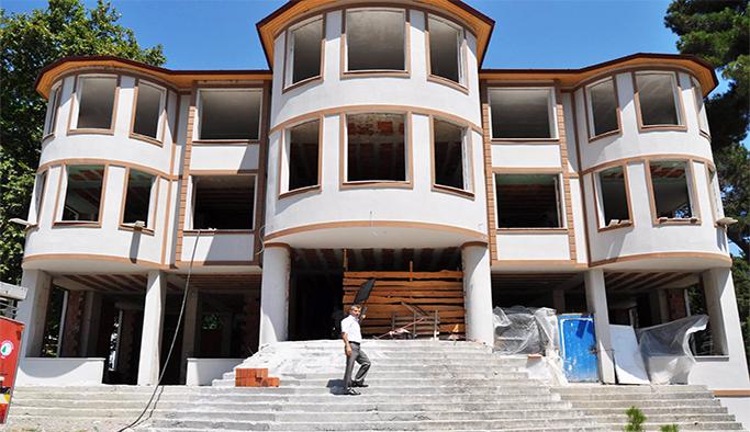 Yeni belediye binası tamamlanmak üzere