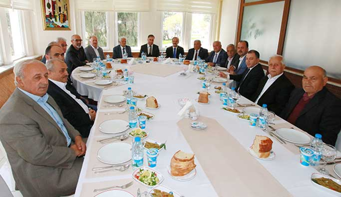 İl Genel Meclis Üyeleriyle Veda Yemeğinde Buluştu