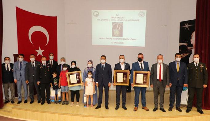 Devlet Övünç Madalyası ve Beratı Tevcih Töreni Düzenlendi