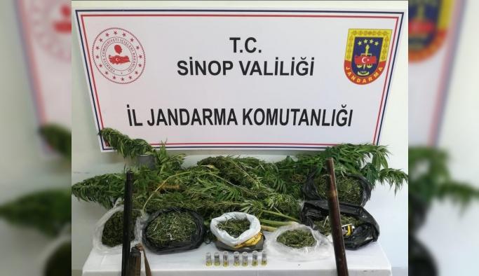 Türkeli'de Uyuşturucu Operasyonu: 2 Gözaltı