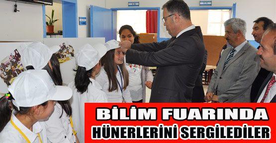 Atatürk Ortaokulu TÜBİTAK Fuarıyla kapılarını ziyaretçilere açtı