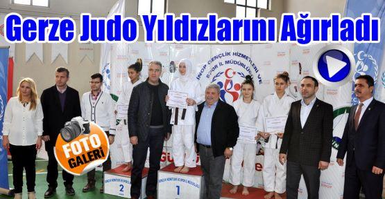 Gerze Judo Yıldızlarını Ağırladı