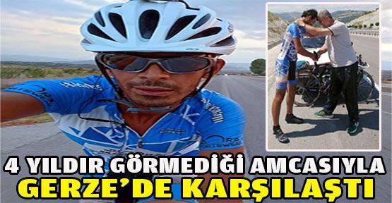 İzmirli bisikletçi 4 yıldır görmediği amcası ile Gerze'de karşılaştı