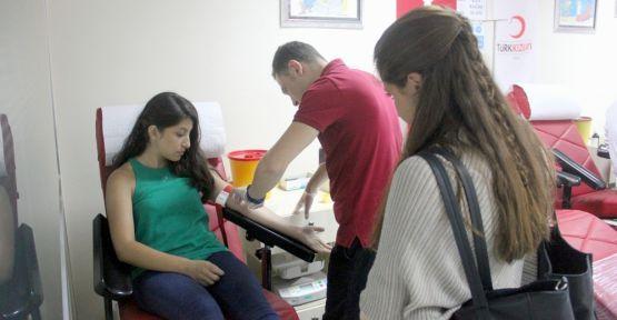 Lösemi hastası Elif için kan bağışı