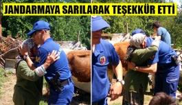 Jandarmaya sarılarak teşekkür etti
