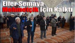 Eller Semaya Mehmetçiğimiz İçin Kalktı