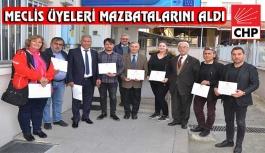 CHP'li Belediye Meclis Üyeleri Mazbatalarını Aldı