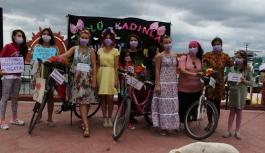 Gerze'de 'Süslü Kadınlar Bisiklet...