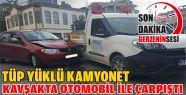 Tüp Yüklü Kamyonet ile Otomobil Çarpıştı
