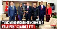 Türkiye Üçüncüsü Boksörden Vali'ye...