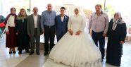 Vali İpek, Şehit Ailesinin Mutluluğuna Ortak Oldu