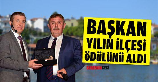 """""""Yılın İlçesi"""" Ödülünü Osman Başkan Aldı"""